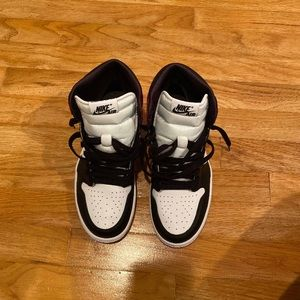 Jordan 1 Satin Black Toe 7Y 8.5W